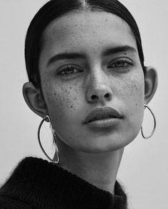 Zoe Barnard - Black and White - Portrait Face Reference, Photo Reference, Drawing Reference, Photographie Portrait Inspiration, Face Photography, White Photography, Photography Portraits, Photography Ideas, Model Face