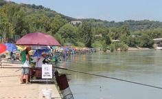 Campo gara pesca sul Tevere a Roma