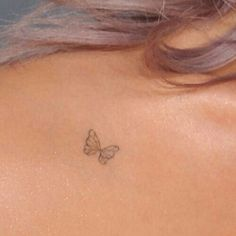 Nate has a butterfly tattoo or something, help me. Hiding where nobody would look because . - Nate has a butterfly tattoo or something, help me. Hidden where no one would look because e - # lookNate has a butterfly tattoo or something Little Tattoos, Mini Tattoos, Body Art Tattoos, Cherry Tattoos, Smal Tattoo, Herz Tattoo Klein, Tiny Butterfly Tattoo, Butterfly Design, Butterfly Wings