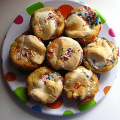 more fun food for kids to make: marshmallow puffs :)