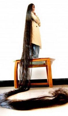 Jan 2013 - Miss Dyq: Meet Woman With World's Longest Hair In 2013 At Length 14 Feet, Dai Yueqin (Pictures) Meet Dai Yue Qin, the current Guinness Worlds Longest Hair, Rapunzel Hair, Really Long Hair, Natural Hair Styles, Long Hair Styles, Beautiful Long Hair, Amazing Hair, Love Hair, Hair Today
