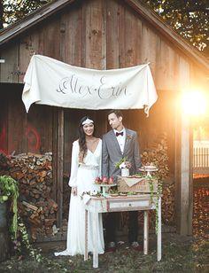 Brides: Wedding Cake Backdrop Ideas: Dessert-Table Backdrops with Calligraphy Autumn Wedding, Chic Wedding, Trendy Wedding, Dream Wedding, Wedding Ideas, Wedding Shoot, Garden Wedding, Elegant Wedding, Wedding Table