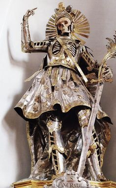The Bones of St Pancratius, Church of St Niklaus in Wil, Switzerland. He was originally robed in clothes by nuns in the late but in 1777 – the centenary of his bones arriving in Wil – he was dressed in this magnificent commissioned suit of armour. Memento Mori, Danse Macabre, Catacombs, Vanitas, Skull And Bones, Religious Art, Dark Art, Creepy, Death