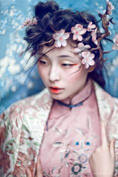 Persephone - ❀ Flower Maiden Fantasy ❀ beautiful art fashion photography of women and flowers - chen man Makeup Photography, Portrait Photography, Fashion Photography, Photography Women, Color Photography, Landscape Photography, Japan Kultur, 3 4 Face, Foto Fashion
