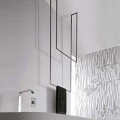 antoniolupi TANDEM-UP doppelter Handtuchhalter 720 x 1670 mm Towel 🧻 Bath Towel Racks, Towel Rack Bathroom, Bathroom Spa, Bathroom Toilets, Towel Rail, Bathroom Renos, Master Bathroom, Bad Inspiration, Bathroom Inspiration