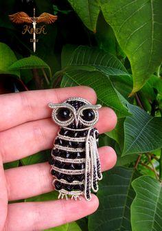 Wow!  Amazing owl wire pendant