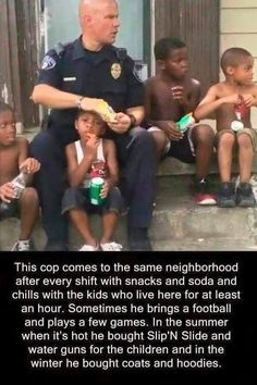 Faith in humanity restored. All lives matter and not all cops are responsible for the actions of a few Human Kindness, Cute Stories, Sweet Stories, Happy Stories, Good Deeds, Good People, Amazing People, Amazing Man, Amazing Things