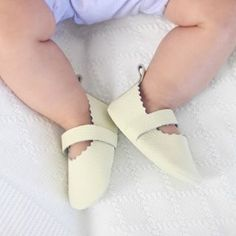 FLYING BABY MOCCS
