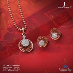 No photo description available. Pendant Set, Diamond Pendant, Trendy Jewelry, Fashion Jewelry, Tanishq Jewellery, Gold Necklace Simple, Indian Wedding Jewelry, Golden Jewelry, Gold Jewellery Design