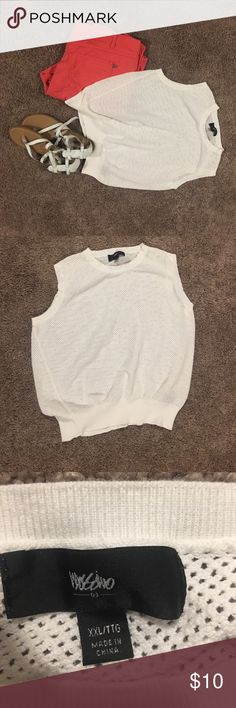 White cotton vest! Great for summer!! White cotton vest! Great for summer!! Size XXL. Perfect for the beach or out and about!! Good condition. Mossimo Supply Co Tops Tees - Short Sleeve