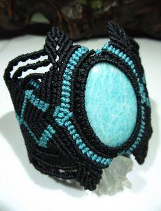 Bracelet création faite main en macramé avec par PapachoCreations