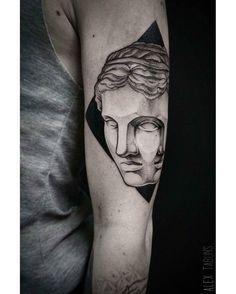 Alex Tabuns @alex_tabuns BLACKOUT tattoo collective @blackouttattoocollective #blackouttattoocollective