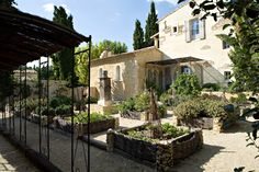-> RESTAURANT HOTEL SAINT REMY PROVENCE - OFFICIAL WEBSITE - COOKING CLASSES LUBERON ST REMY PROVENCE