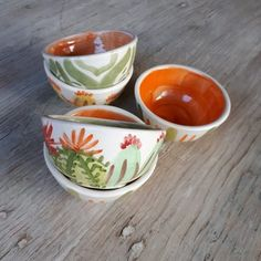 Ceramic Painting, Ceramic Art, Hand Painted Ceramics, Pottery, Mugs, Instagram, Tableware, Projects, Inspiration