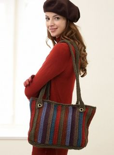 Twilight Woods Tote - This crochet bag pattern is a perfect size to hold all your belongings. It's simple and fashionable and it's calling your name.