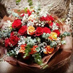 결혼기념일 30주년 기념 딸이 부모님께 드리는 장미 30송이 By marolles(florist juhee) www.aquatree.co.kr 현대백화점 미아 아쿠아트리에서 판매합니다.