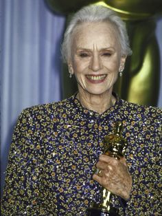 "Oscar Ceremony 1990: Jessica Tandy won Best Actress Oscar for ""Driving Miss Daisy"" 1989"