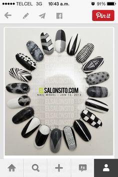Black and White Nail Art Wheel Gray Nails, Black Nails, Black Glitter, Pretty Nails, Fun Nails, Nail Art Wheel, Black And White Nail Art, White Art, Finger