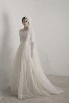 14 Long Sleeve Wedding Dresses | Fly Away Bride
