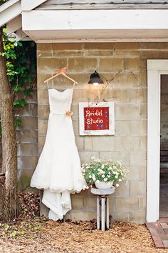 Blue Dress Barn Wedding - see more at http://fabyoubliss.com [more at pinterest.com/eventsbygab]