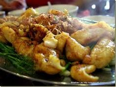 Fry local fish  enjou with sause and cold noodle.Very delicious food in Hanoi Best Food Ever, Vietnamese Recipes, Hanoi, Side Dishes, Fries, Noodle, Delicious Food, Chicken, Train Tickets