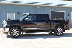 """2015 GMC Sierra SLT Z71 1500 4x4 Crew Cab – 5.3L V8 Sunroof, Navigation, Heated & Cooled Leather Seats, Power Adjustable Pedals, Forward Collision & Lane Departure Warning, Trailer Brake Control, Remote Start, 20"""" Alloy Wheels, Tonneau Cover, Spray-in Liner, Step Bars, Power Folding Mirrors, Heated Steering Wheel, Balance of Factory Warranty and only 25,900 kms 45,445 +tax or 334 Bi-Weekly oac – for financing at 613-341-7800 or online at www.jacksonmotors.ca 2015 Best Resale Value Award"""