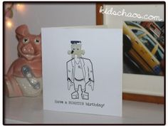 Upcycle your old Jigsaw Puzzle Piece crafts – Greetings Cards - FREE printable - just add jigsaw piece!
