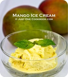 Delightful and easy homemade mango ice cream recipe, just a few simple steps and you can enjoy fresh mango ice cream at home. Ice Cream At Home, Make Ice Cream, Ice Cream Maker, Cream Cream, Mango Recipes, Blender Recipes, Ice Cream Recipes, Fruit Recipes, Juicer Recipes