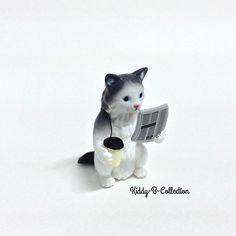 ❌❌❌แมวอ่าน นสพ. -->ตัวละ 130 บาท --> ส่งลงทะเบียน 30/ EMS 50 -->รับจองทางline : kiddyb  #dekkohkeaw #minitoys #minifigure #gachapon #gachagacha #gachaponthailand #toysthailand #toys_thailand #toythailand #toy_thailand #animals #animal_cute #K_Don #raccoon #cat_cute #dog