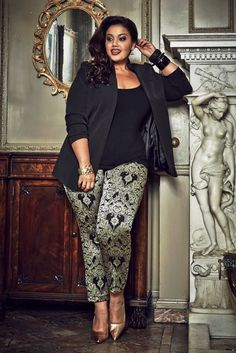 Big beautiful curvy women, real sizes with curves, accept your body sizes, love yourself no guilt, plus size, Fashion, limgerie, pin up, art, quote, bathing suit. Fragyl Mari sees your fabulousness!