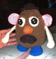 Patrón del Sr Potato. Realiza este simpático amigurumi. Encontrarás el material necesario para realizarlo en mi tienda online. Diviérte realizando este.....