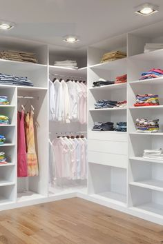 Closet Layout 25895766596250695 - Source by dudahvirgulino Master Bedroom Wardrobe Designs, Master Closet Design, Walk In Closet Design, Master Bedroom Closet, Closet Designs, Corner Wardrobe, Wardrobe Room, Dressing Design, Closet Layout