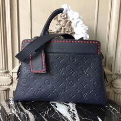 LV Shoulder Tote Louis Vuitton Handbags New Collecti. - LV Shoulder Tote Louis Vuitton Handbags New Collection to Have - Prada Handbags, Louis Vuitton Handbags, Tote Handbags, Purses And Handbags, Louis Vuitton Monogram, Leather Handbags, Cheap Handbags, Leather Purses, Balenciaga Handbags