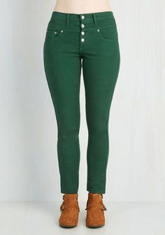 Karaoke Songstress Jeans in Forest Green. Step into the karaoke spotlight in these emerald green denim skinnies! #gold #prom #modcloth