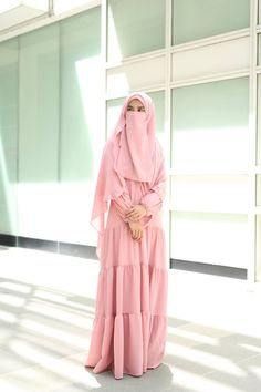 Muslimah modest wear (hijab) #uswahhijab #modestfashion #islamicfashion Islamic Fashion, Muslim Fashion, Modest Fashion, Modest Wear, Modest Outfits, Casual Outfits, Girl Hijab, Hijab Outfit, Hijab Dress