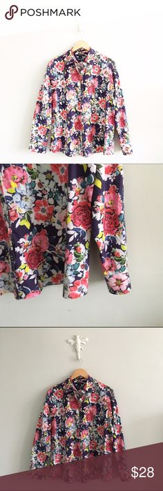 "Lands End Floral Supima Cotton No Iron Button Down 100% supima cotton. Excellent condition with nor rips or stains, first picture filtered. Size 14. Length: 26"". Chest: 46"". *1201160395* Lands' End Tops Button Down Shirts"