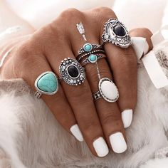 Antique Gold or Silver Bohemian Midi Ring Set Vintage Steampunk Anillos Knuckle Rings For Women Boho Jewelry 5 Pcs/Set / Both Gold and Silver Sets Boho Jewelry, Jewelry Accessories, Women Jewelry, Fashion Accessories, Jewelry Rings, Jewelry Watches, Gold Jewellery, Silver Jewelry, Jewellery Shops