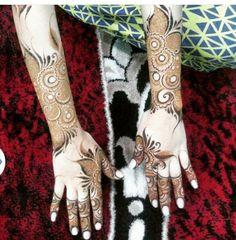 Mahandi Design, Heena Design, Floral Design, Henna Mehndi, Henna Art, Mehendi, Mehndi Images, Girls Hand, Flower Designs