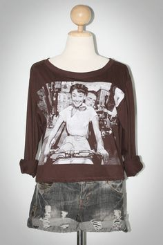 Audrey Hepburn And Gregory Peck In Roman Holiday Trailer Brown Long Sleeve Women Rock T-Shirt Size XL