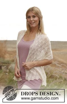 """New Leaf - Knitted DROPS shawl with lace pattern in """"Lace"""". - Free pattern by DROPS Design"""