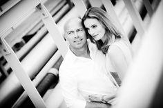 Loveshoot portretfotografie Strijp Eindhoven. Foto door Marijke Krekels Fotografie