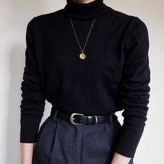 Source by alexmeszar Sweater Vintage Outfits, Classy Outfits, Casual Outfits, Vintage Fashion, Look Fashion, Korean Fashion, Fashion Outfits, Minimalist Wardrobe, Minimalist Fashion