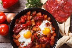Una tapa perfecta Huevos estrellados con chistorra    #HuevosEstrellados #HuevosEstrelladosConChistorra #Tapas #Entrantes #Aperitivos #CocinaEspañola