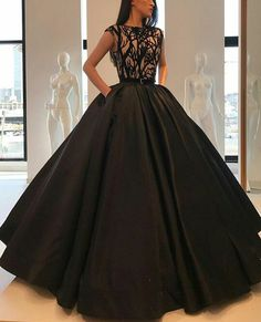 For that You can never go wrong with Black is the ultimate representation of elegance, professionalism and class. It looks great as a dress, pant suit or jumper for holiday. Puffy Prom Dresses, Pretty Prom Dresses, Quince Dresses, Black Wedding Dresses, Ball Dresses, Beautiful Dresses, Ball Gowns, Designer Dresses, Marie