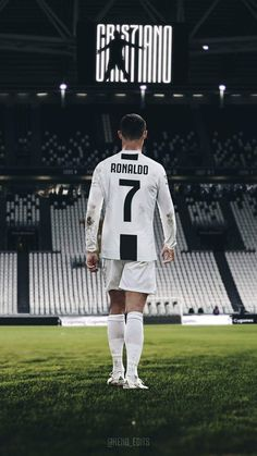 Looking for New 2019 Juventus Wallpapers of Cristiano Ronaldo? So, Here is Cristiano Ronaldo Juventus Wallpapers and Images Cristiano Ronaldo 7, Ronaldo Cristiano Cr7, Cr7 Messi, Messi And Ronaldo, Neymar, Juventus Fc, Mbappe Psg, Zinedine Zidane, Cristiano Ronaldo Hd Wallpapers