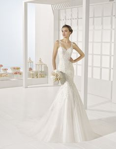 Yanila - Beaded lace dress, in natural.