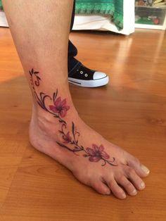 FARBREIZ Tattoo & Art www.farbreiz-tattoo.de claudia@farbreiz-tattoo.de #flowertattoo #blumentattoo #tattoo