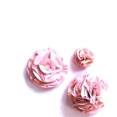 Three's a crowd! Good thing the small flower brooch/pin sold at a local outdoor market. So small, so cute! #HandmadeWithLove | #bissbiss #shopbissbiss #fabricflowers #brooch #pin #accessories #handmade #handmadeaccessories #pinkflowers #pinkaccessories #pinklover #prettypink #prettyinpink #pink #pinkpinkpink #eco #ecofashion #ecostyle #ecoliving #sustainable #sustainablefashion #sustainablestyle #sustainableliving #etsy #etsyca #etsyshop #instaetsy #instagood #pursuepretty #prettythings