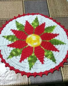 Free Crochet Doily Patterns To Beautify Your Home Crochet Stars, Crochet Quilt, Crochet Home, Crochet Gifts, Crochet Christmas Wreath, Christmas Crochet Patterns, Holiday Crochet, Christmas Poinsettia, Christmas Decor