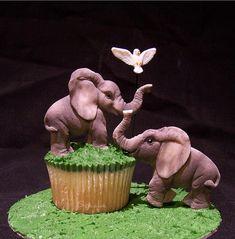 Elephant cupcake by Sandra (socake), via Flickr